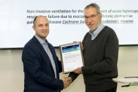 Dr. Osadnik from Cochrane Airways accepts award for work on COPD Cochrane Review